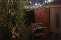 bibo-garlic-room-night